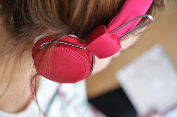 Diferencia Oír Escuchar